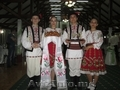 Dansatori la diverse ceremonii